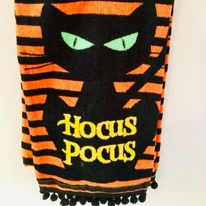2 Hocus Pocus Black Cat Halloween Kitchen Towels